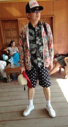 the Chinese fashion continues to astound me!