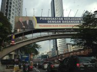 The curious return of the Obama and Malaysian Prime Minister photo that disappeared during Obama's visit to KL. It reappeared as soon as he left. Accident? I don't think so. Obama doesn't want to be seen with their PM as he's embroiled in a massive embezzlement scandal.