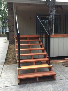 04/10/2016 - New stairs to the main deck
