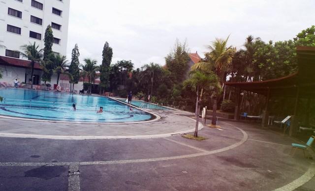 kolam renang sunan hotel 3