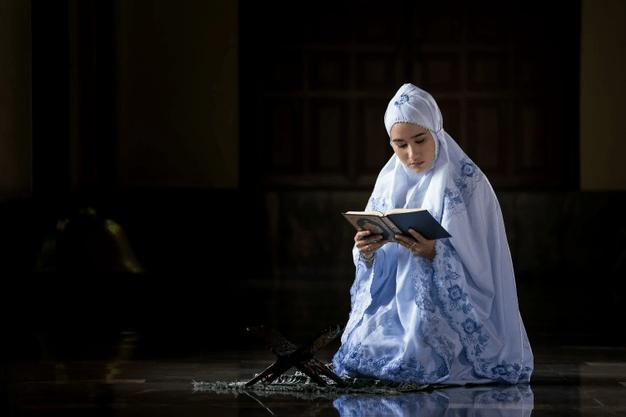 muslimah sholat tahajud