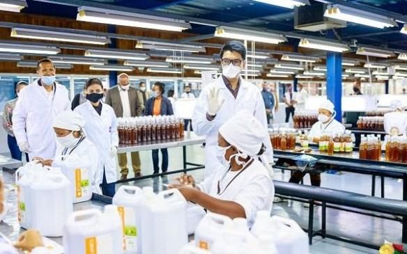 Madagascar president inspecting coronavirus drugs