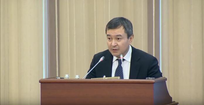 Акан Сатаев. Скриншот видео