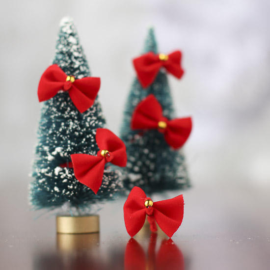 miniature red bows