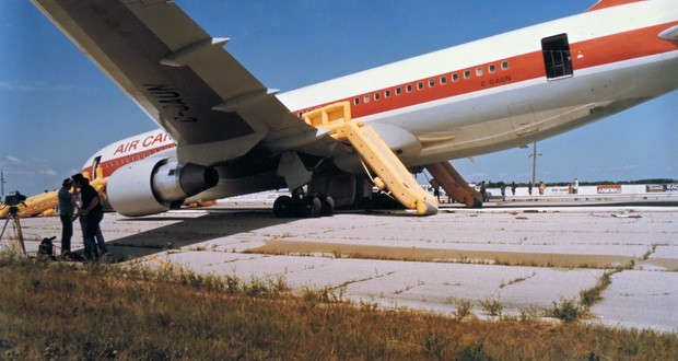 Air Canada's Flight 143 incident