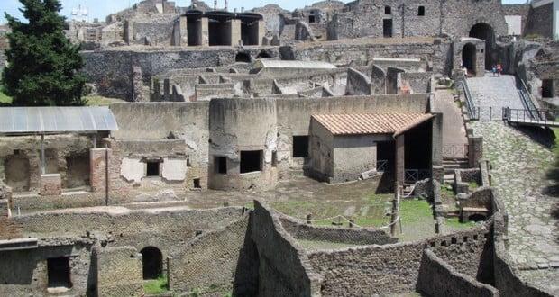 Pompeii buildings