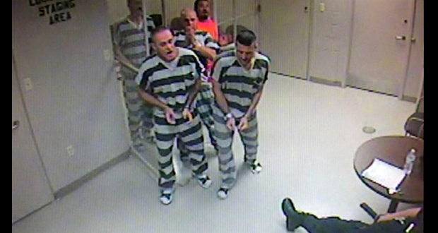 Texas inmates save officer