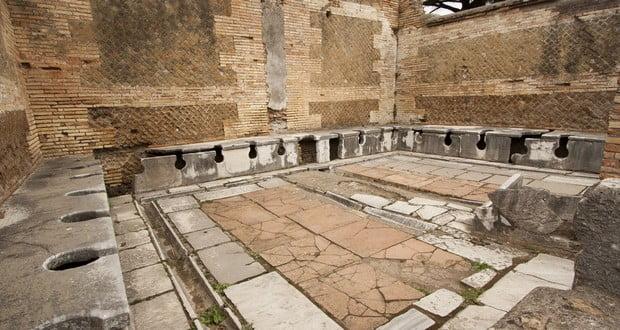 Ancient Rome toilets