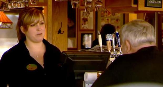 Applebee's waitress