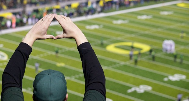 Oregon University hand sign