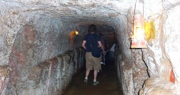 Vịnh Mốc tunnels