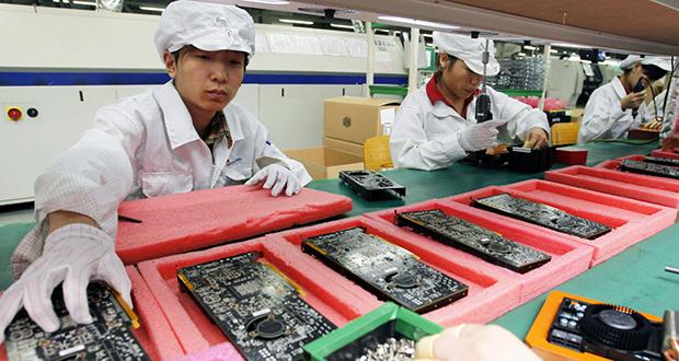 Apple child laborer