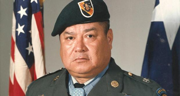 Roy R Benavidez
