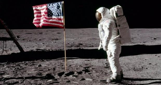 Lunar flag