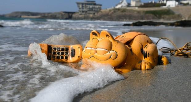 Garfield phones