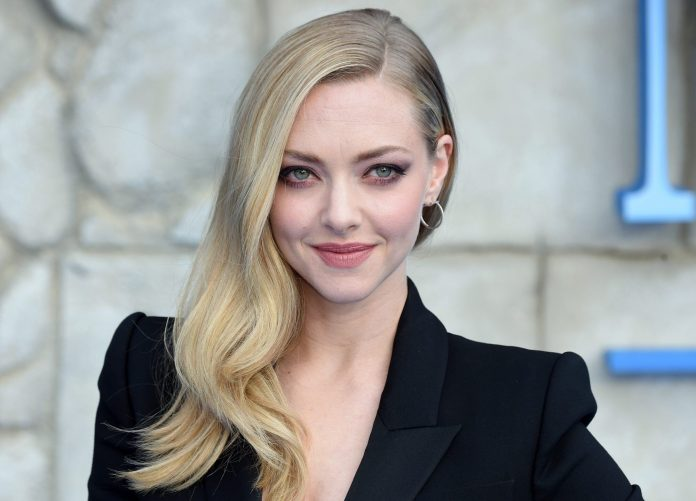 Amanda Seyfried Wiki. Bio. Age. Net Worth. and Other Facts - FactsFive