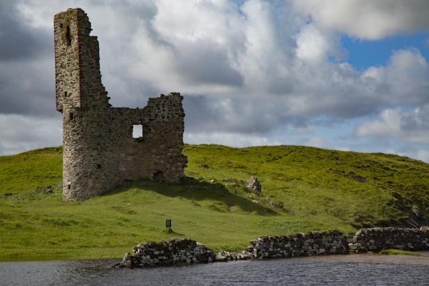 ardvreck-castle-scotland-1471710185KHc