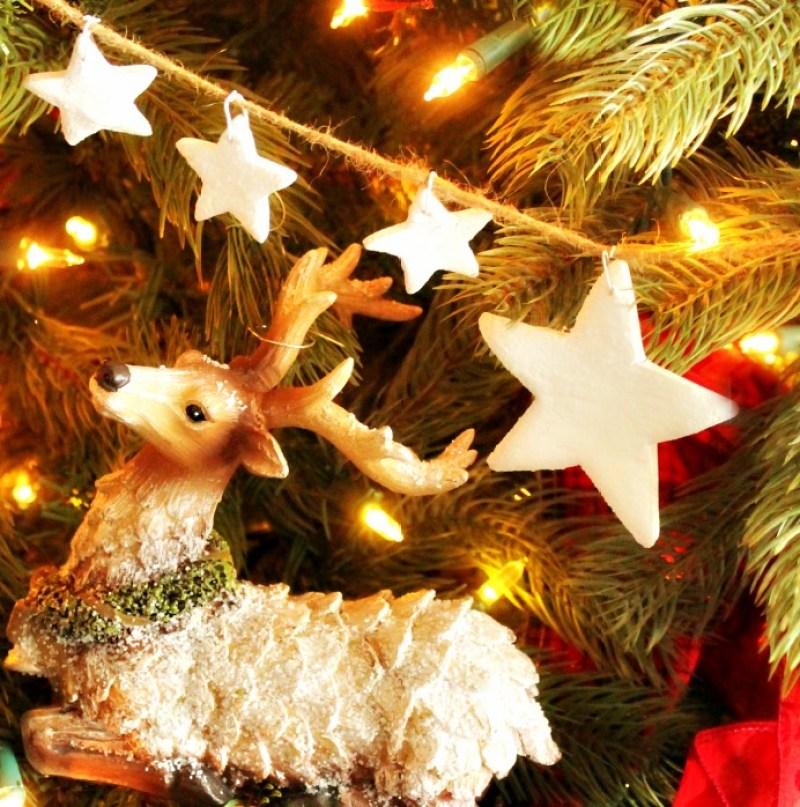 Handmade Christmas tree ornament, a pretty Christmas craft idea using salt dough stars on a Christmas tree garland. Christmas, Salt Dough, DIY