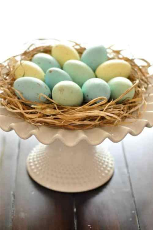 http://www.blog.birdsparty.com/2012/03/tutorial-painted-easter-eggs.html