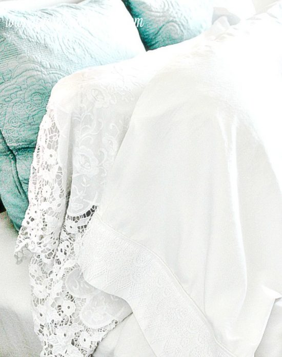 Homemade pillowcases,sewing pillowcases, easy pillowcase pattern, pillowcase sewing patter, pillowcase ideas, diy pillowcase, lacy pillowcase, luxury pillowcase