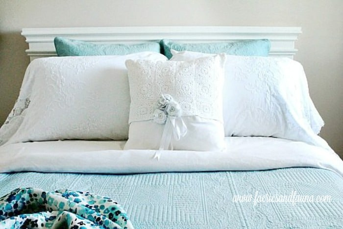 Hand Made high quality pillow cases for a guest room. Homemade pillowcases,sewing pillowcases, easy pillowcase pattern, pillowcase sewing patter, pillowcase ideas, diy pillowcase, lacy pillowcase, luxury pillowcase