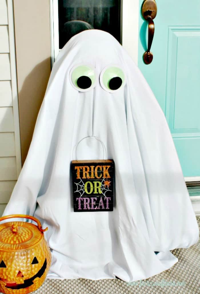 Diy Halloween Front Porch Not So Ghastly Ghosts