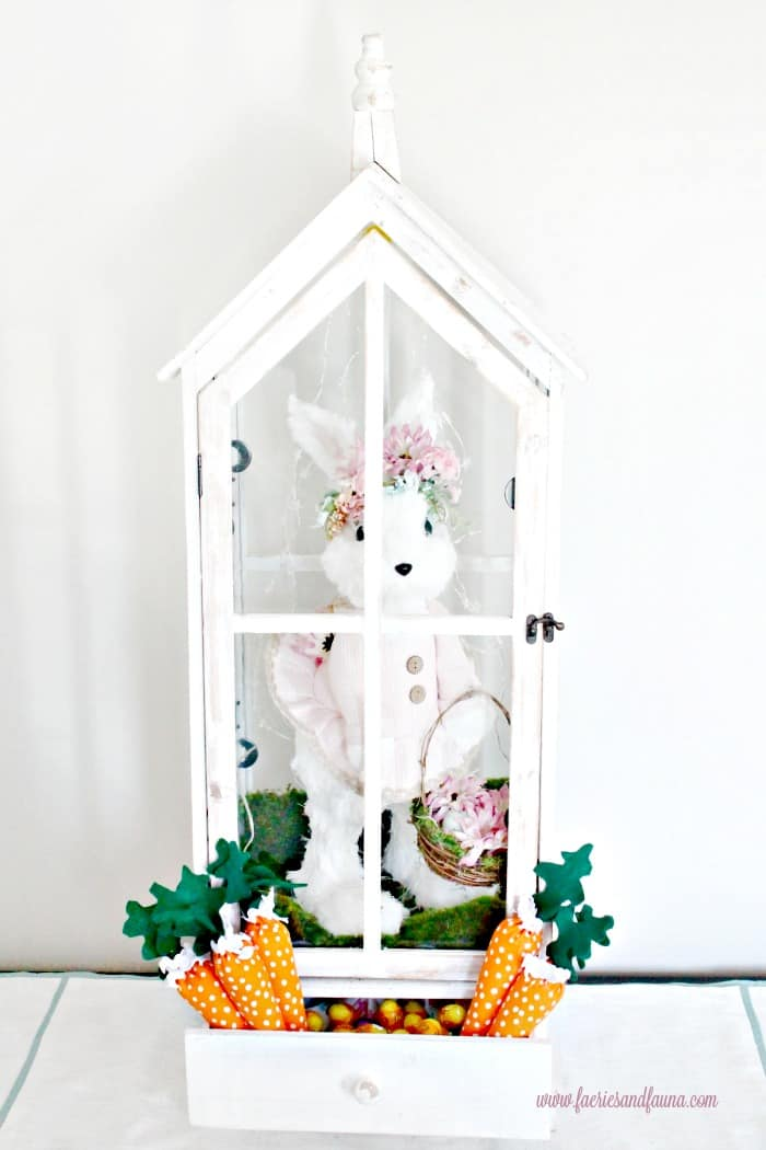 Easter Decorating Ideas, Easter decorations to make, Easter idea, Easter table decorations, Easter centerpiece ideas, DIY Easter decorations, easter table centerpieces, carrot decoration, homemade Easter decorations, Easter home decorating ideas