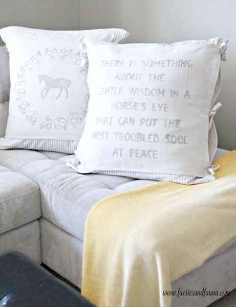 Two large DIY farmhouse cushions made with drop cloth and sewn like a banner. Cushion making, DIY cushion covers, DIY pillow, making pillow covers, cushion cover making, sewing pillow covers, envelope cover, DIY Cushion Covers