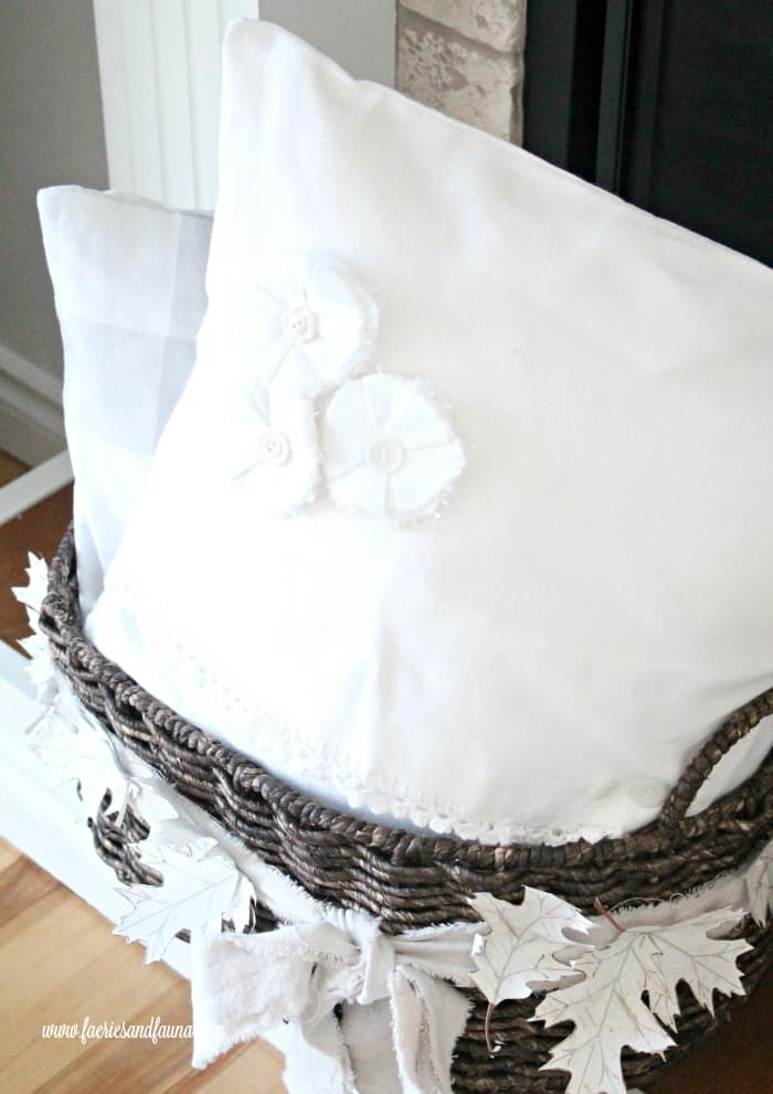How to make a Cushion Cover in a farmhouse style.
