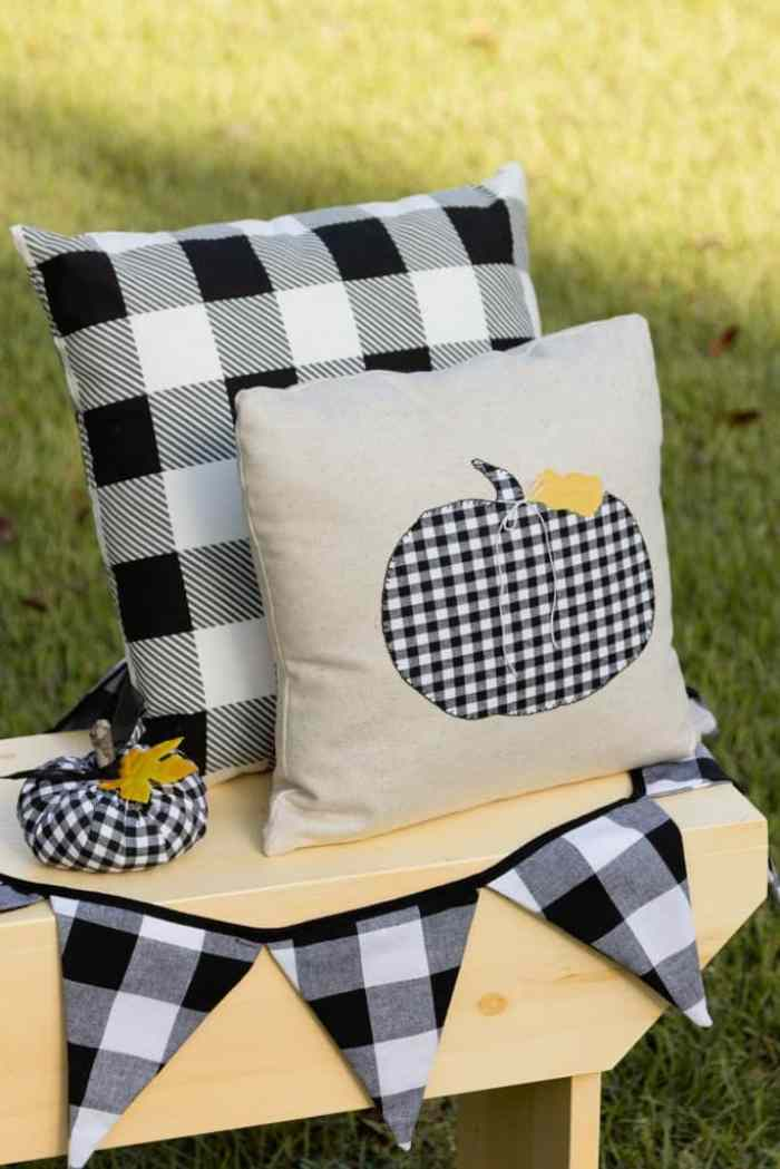 Waste not Wednesday Feature - Black and White Checkered Cushion