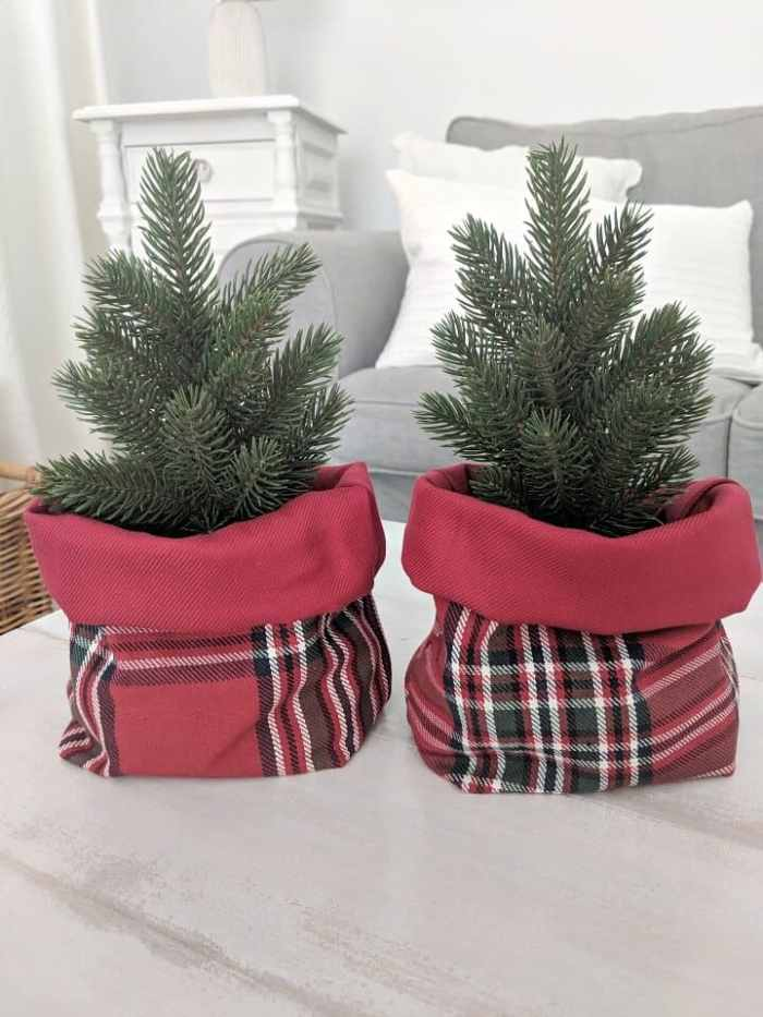 Waste not Wednesday feature Simple plaid baskets for Christmas