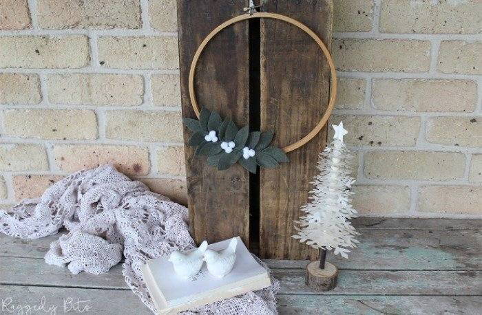 Waste Not Wednesday Feature - Christmas Wreath