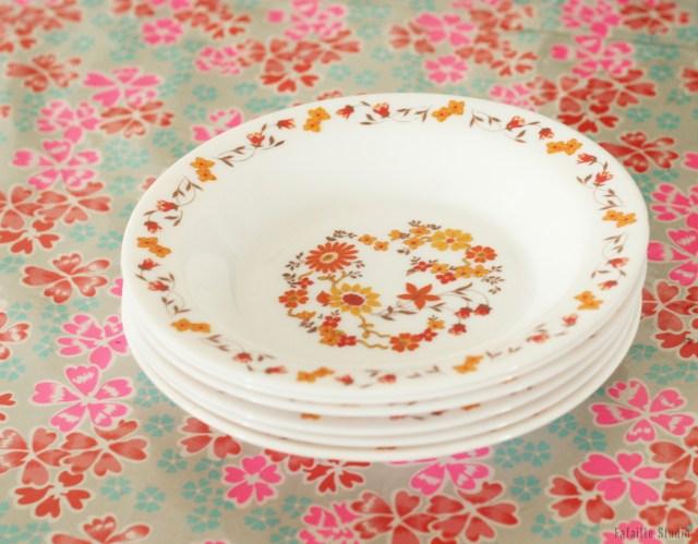 Assiettes en arcopal fleurs orange