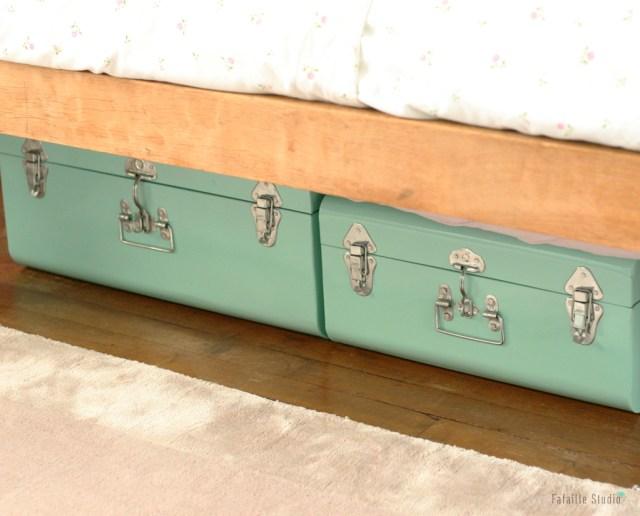 Rangement malless sous le lit