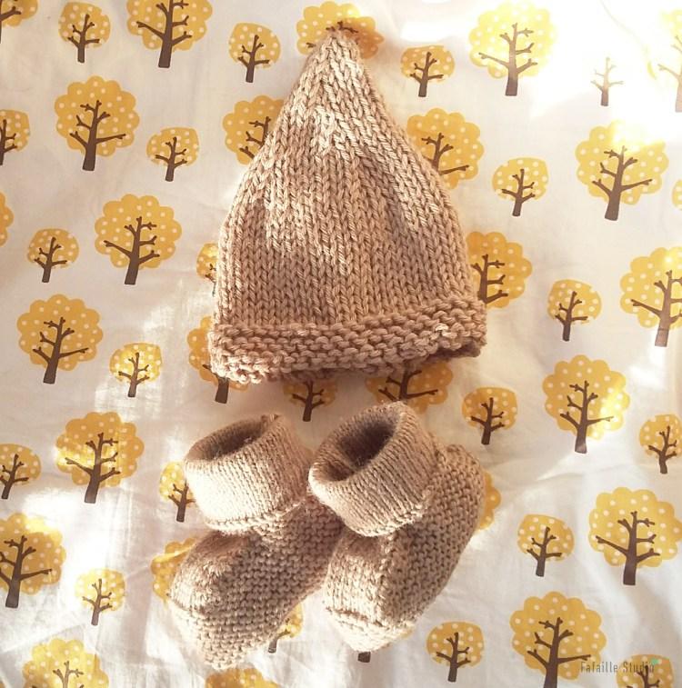 Tricoter bonnet et chaussons naissance