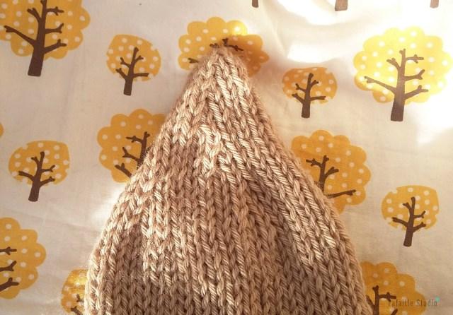 Bonnet naissance lutin tricoté