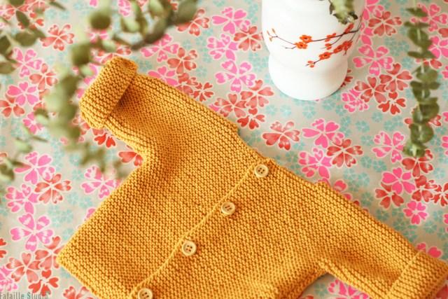Gilet bébé tricoté