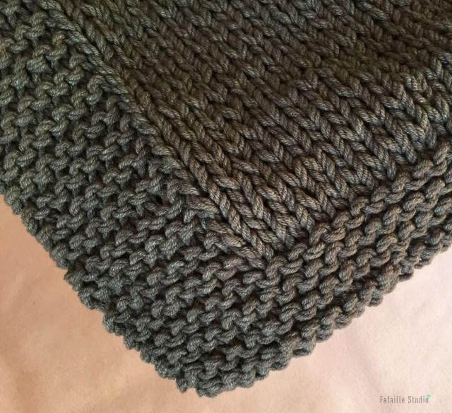 Tricoter une couverture au point mousse et jersey