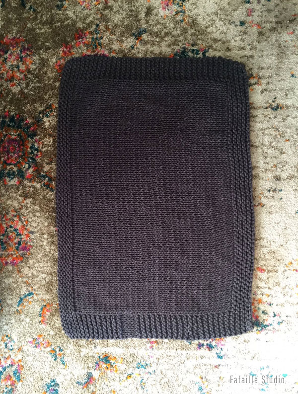 Tricoter une couverture à bordure pour bébé