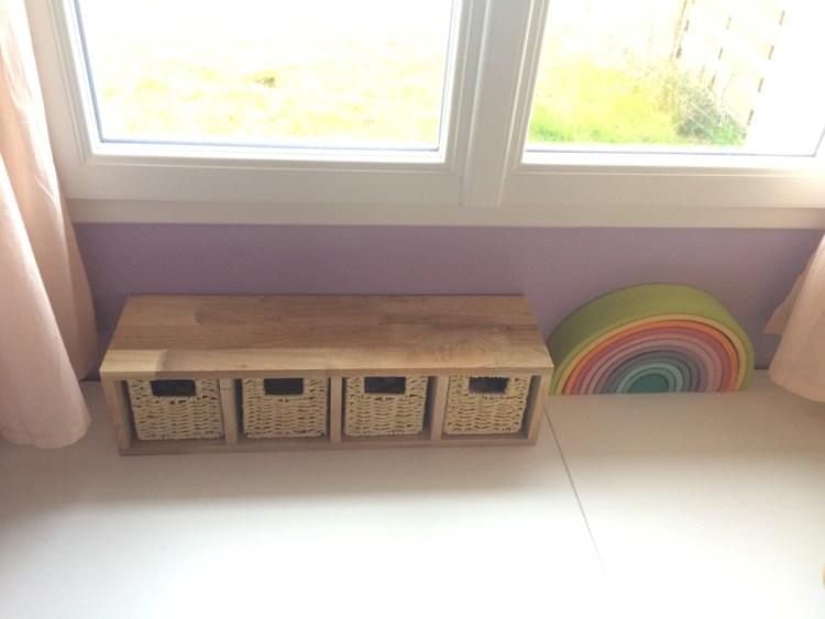 étagère bois et paniers