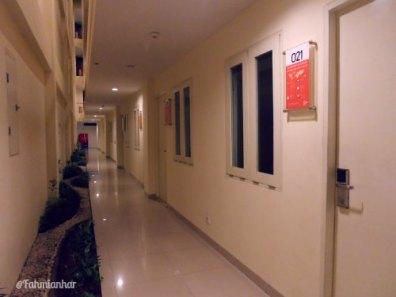 Tune Hotel Kuta Bali - Row