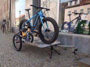 ein paar Neuheiten: Fatbike, gefedertes Alu-Kinderlaufrad, Bike-Transporter