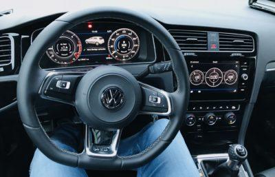 Cockpit des neuen Golf 7 GTD