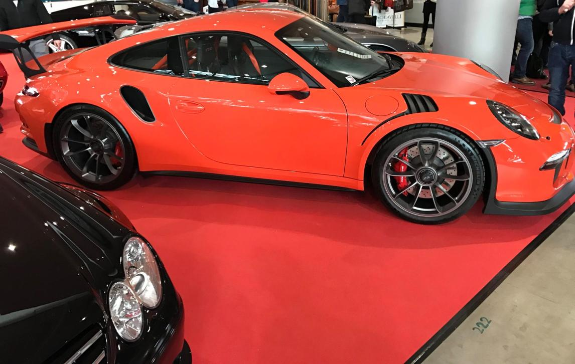 Porsche GT3 RS in Orange