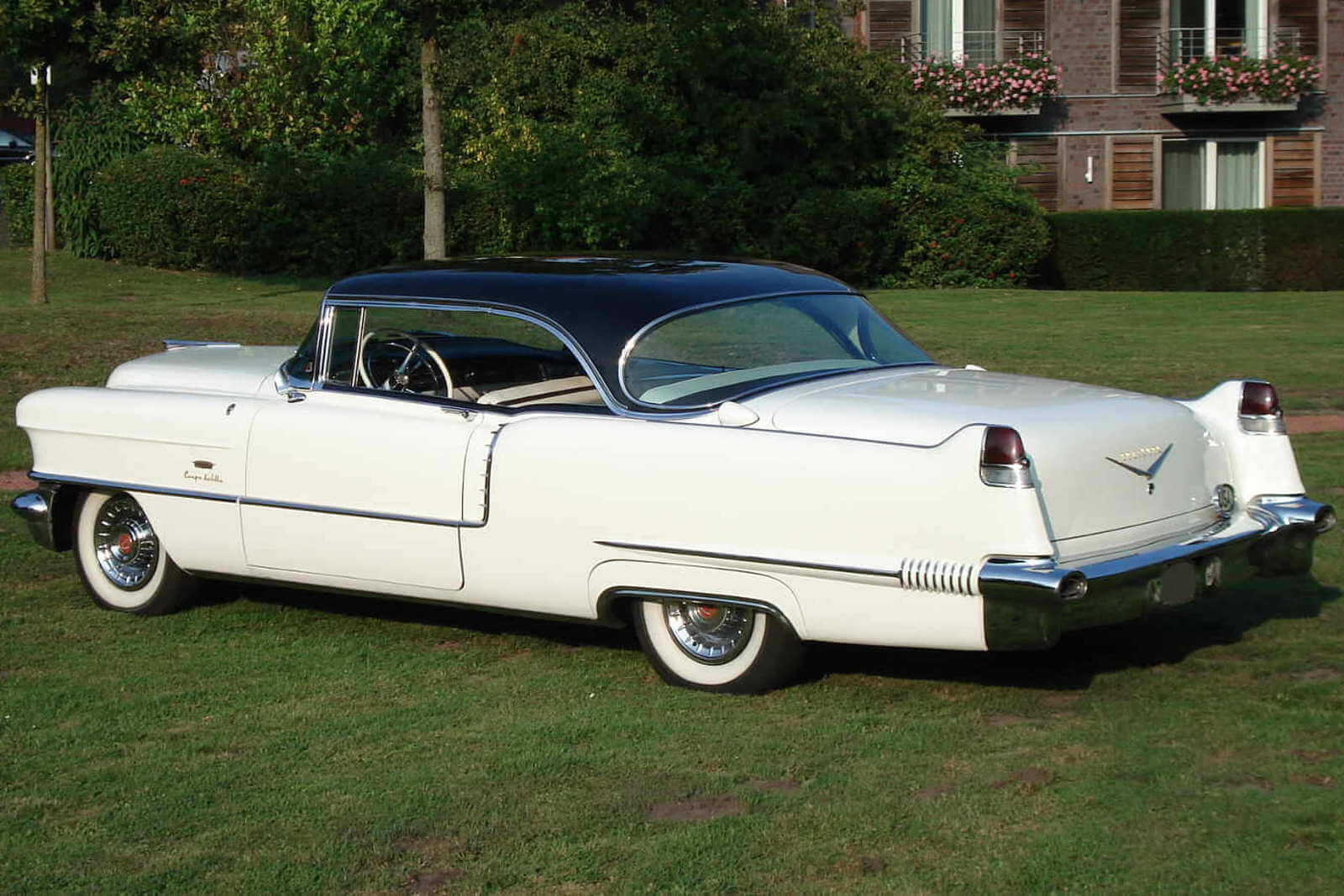 Cadillac-Coupe_1-1 (1)