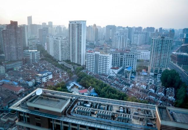 shanghai through the window (1 of 1)