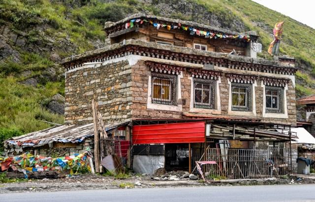 Tibetan house in Tagong.