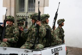 Colombian military police (cc photo: Pipeafcr/Wikimedia)