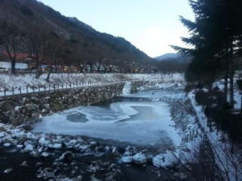 Muju is spectacular in the white snow and ice.
