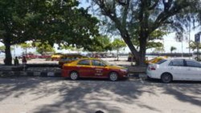 Getting around Koh Samui is easy in a taxi.